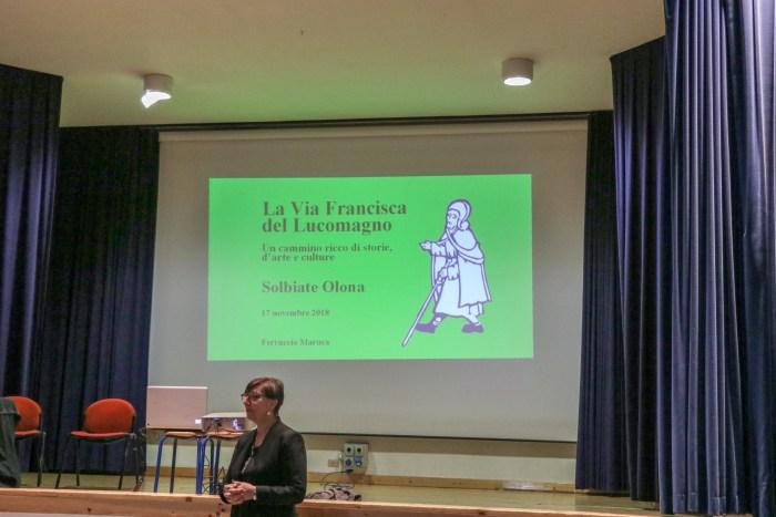 Patrizia Kopsch, Assessore alla Comunicazione e alla Cultura di Solbiate Olona, durante il convegno.